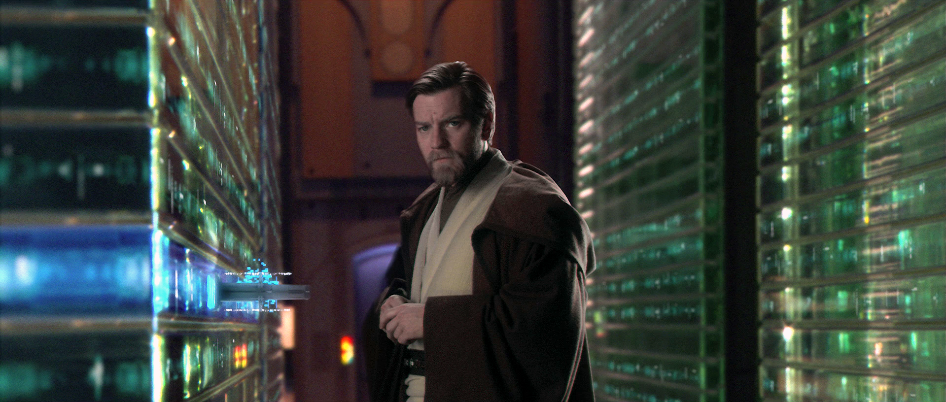 Obi-Wan Kenobi sets the Jedi Beacon to warn other Jedi away from the Jedi Temple in Episode III