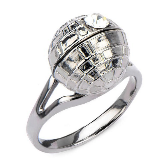 2015-08-19 17_17_04-Amazon.com_ Star Wars Death Star CZ Engagement Style Woman's Ring Size 9 - Licen
