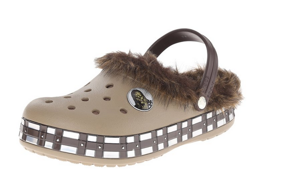 2015-09-17 14_21_38-Amazon.com_ crocs Unisex CB Star Wars Chewbacca Lined Clog_ Shoes