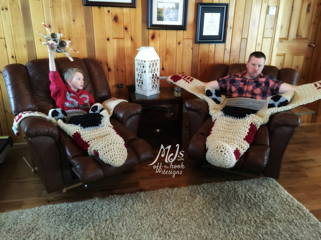 Crochet X Wing : Crocheted X-Wing Fighter Blanket - YodasNews.com - Star Wars Action ...